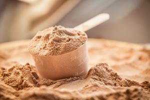 Come aumentare la massa muscolare con gli integratori di proteine